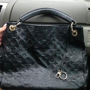 Black matte Louis Vuitton Artsy MM handbag